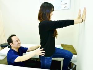 春日井市交通事故治療・むち打ち治療の施術写真13