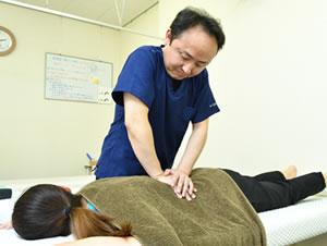 春日井市交通事故治療・むち打ち治療の施術写真28