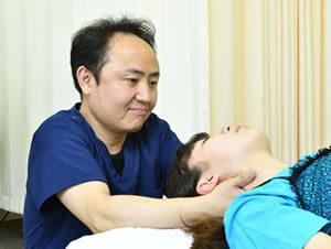 春日井市交通事故治療・むち打ち治療の施術写真31